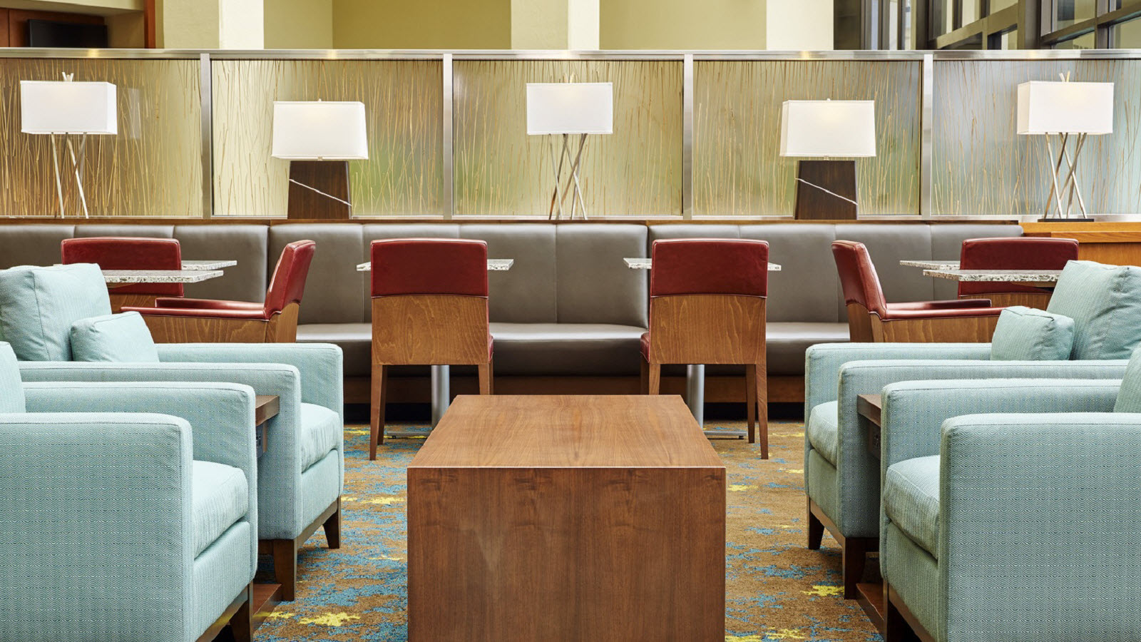 https://www.hotelsbyday.com/_data/default-hotel_image/0/1165/the-westin-atlanta-airport-lobby-sitting-area.jpg