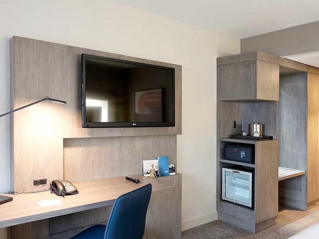 https://www.hotelsbyday.com/_data/default-hotel_image/0/1415/0753-ro-02-p-1024x768.jpg