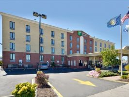 Hotel Holiday Inn Express New York JFK image