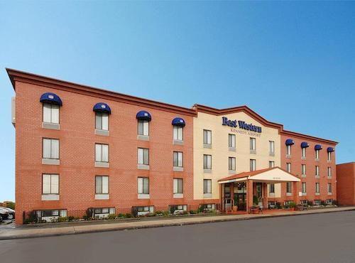 https://www.hotelsbyday.com/_data/default-hotel_image/0/1484/910807-83-y.jpg