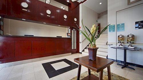 https://www.hotelsbyday.com/_data/default-hotel_image/0/1485/910807-85-y.jpg