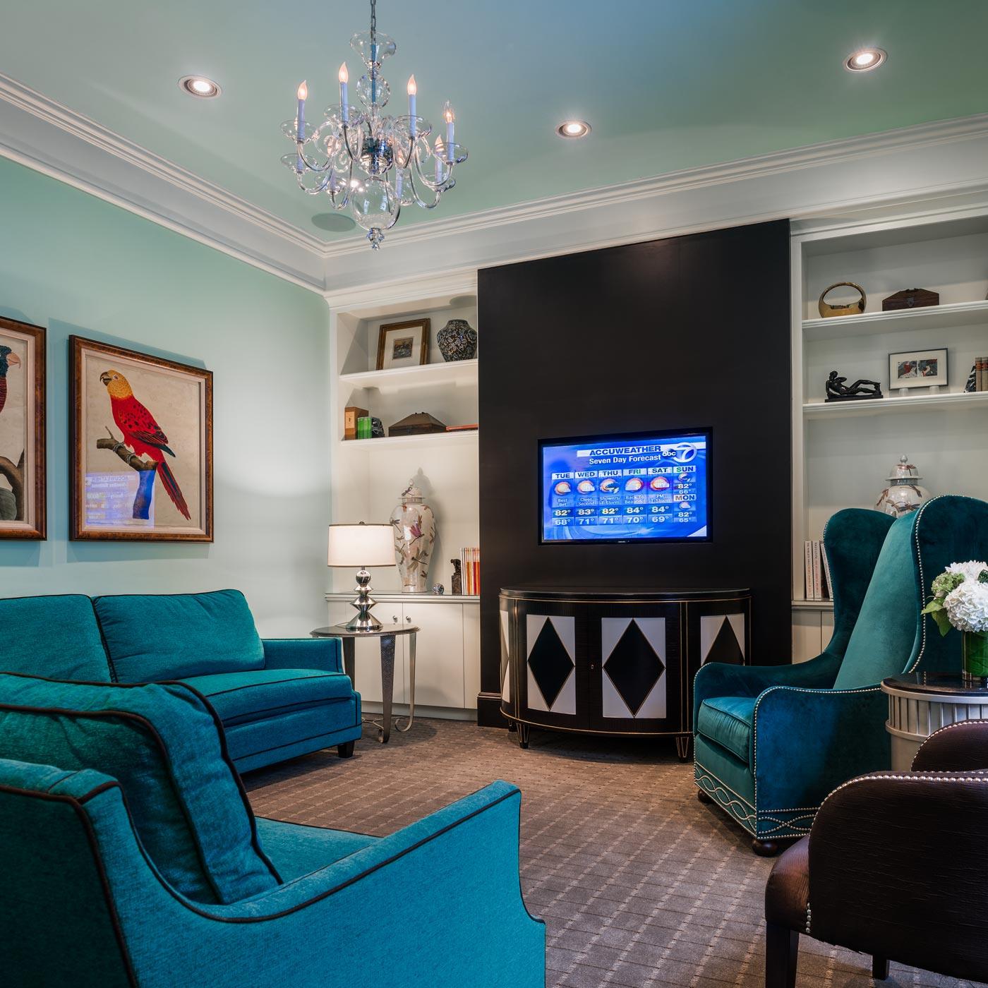 https://www.hotelsbyday.com/_data/default-hotel_image/0/15/seton-hotel-guest-lounge-1.jpg