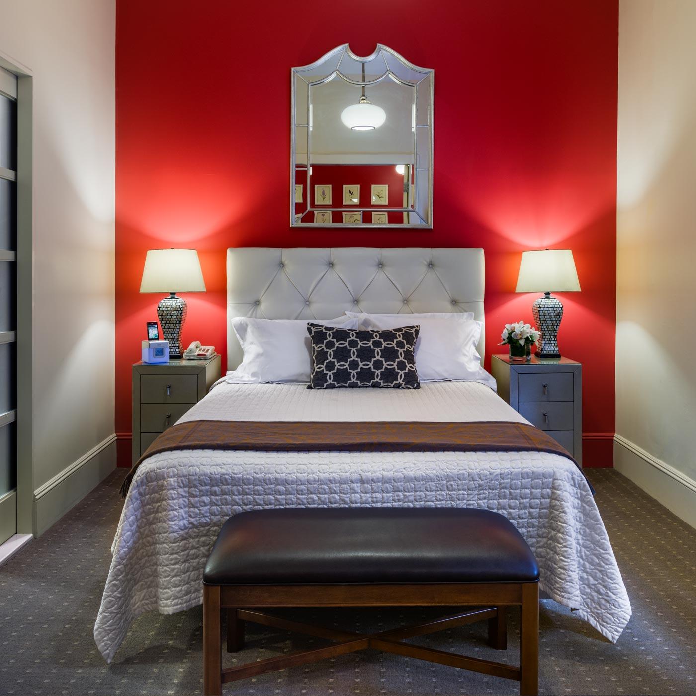 https://www.hotelsbyday.com/_data/default-hotel_image/0/17/seton-hotel-suite.jpg