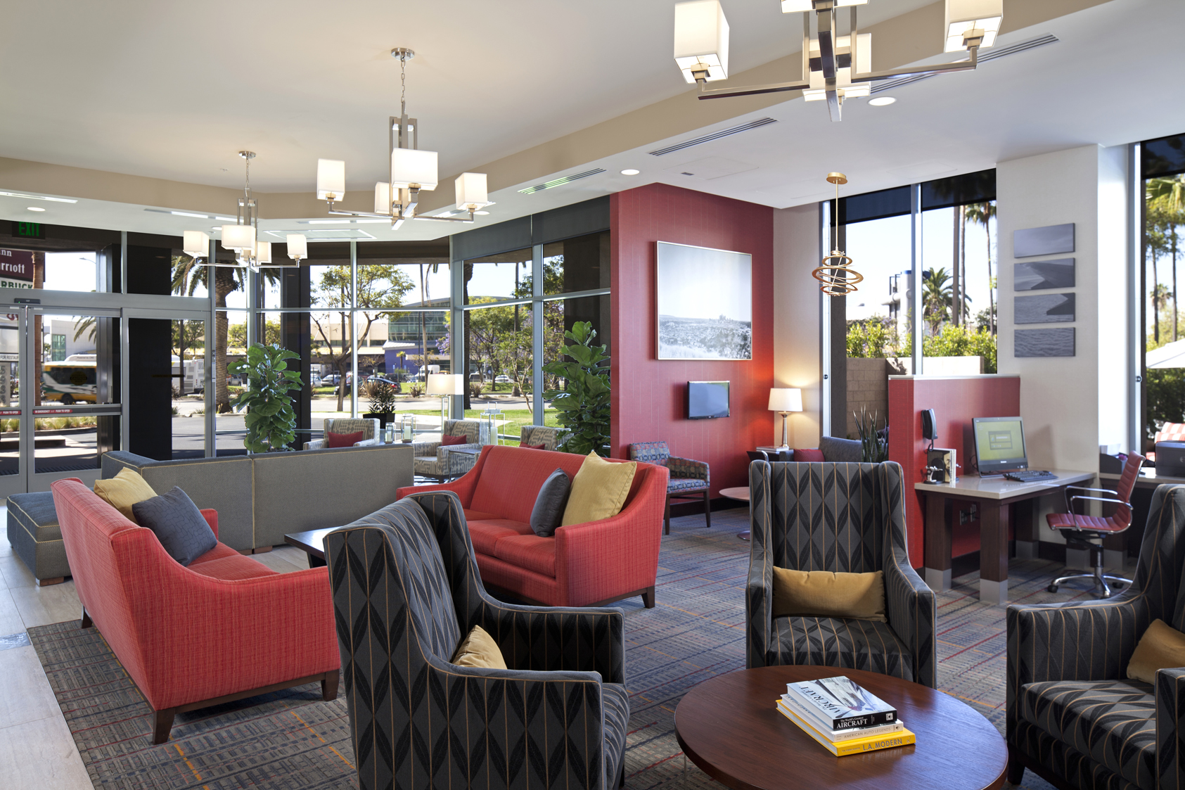 https://www.hotelsbyday.com/_data/default-hotel_image/0/2250/29-laxax-lobby.jpg