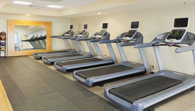 https://www.hotelsbyday.com/_data/default-hotel_image/0/2490/fitnesscenter-650x370.jpg