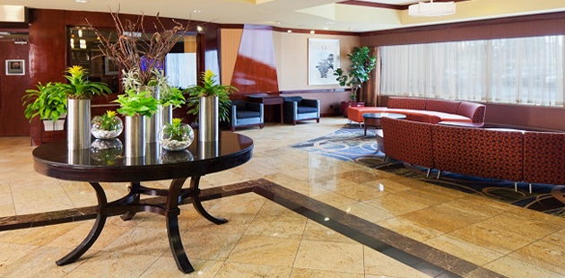 https://www.hotelsbyday.com/_data/default-hotel_image/0/2493/jfk-lobby-630x310.jpg