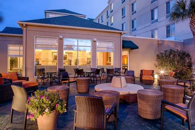 Need some me time why a short stay makes sense hotelsbyday for Hilton garden inn austin airport