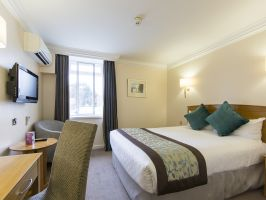 Hotel Thistle London Heathrow Terminal 5 image