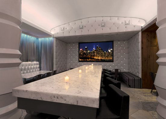 https://www.hotelsbyday.com/_data/default-hotel_image/0/2957/gallery-tryp-by-wyndham-new-york-times-square-tryp-ny-times-square-lobby.jpg