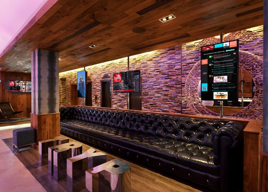 https://www.hotelsbyday.com/_data/default-hotel_image/0/2959/gallery-tryp-by-wyndham-new-york-times-square-tryp-ny-times-square-lobby2.jpg