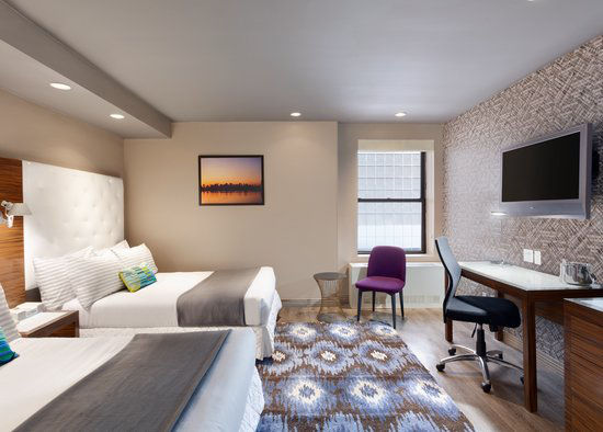 https://www.hotelsbyday.com/_data/default-hotel_image/0/2966/gallery-tryp-new-york-times-square-rooms-tryp-ny-times-square-2doubles.jpg