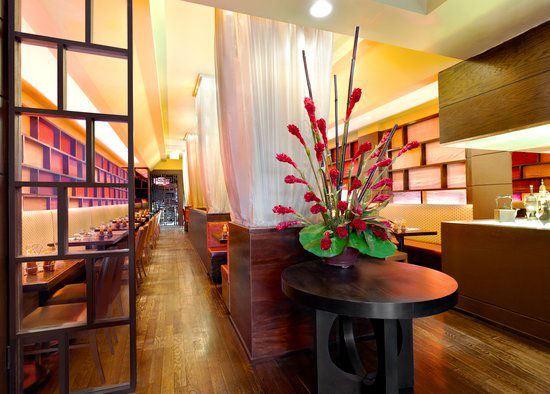 https://www.hotelsbyday.com/_data/default-hotel_image/0/2978/gallery-tryp-new-york-times-square-services-tryp-ny-times-square-saigon48-srv.jpg
