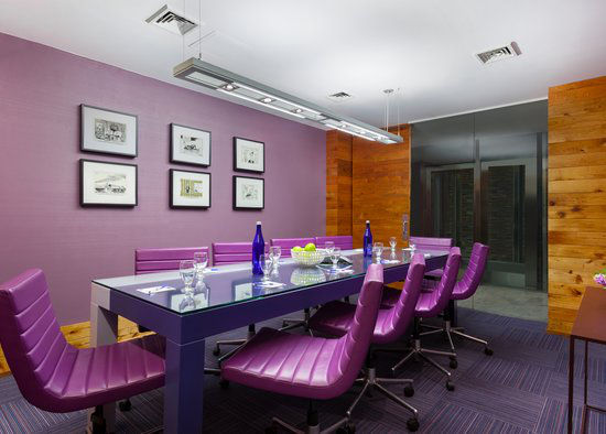 https://www.hotelsbyday.com/_data/default-hotel_image/0/2979/gallery-tryp-new-york-times-square-services-tryp-ny-times-square-boardroom-srv.jpg