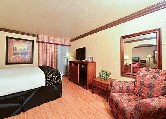 https://www.hotelsbyday.com/_data/default-hotel_image/0/3043/dsc-2015-p.jpg
