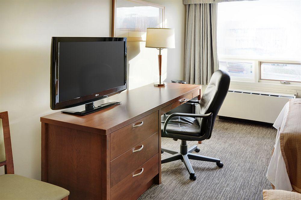 https://www.hotelsbyday.com/_data/default-hotel_image/0/3563/426206-66-z.jpg