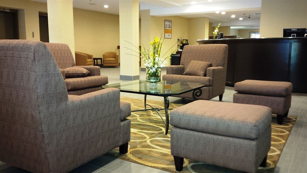 https://www.hotelsbyday.com/_data/default-hotel_image/0/3567/426206-58-z.jpg