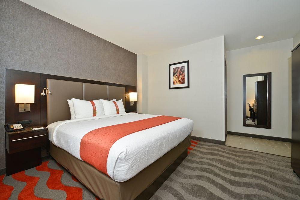 https://www.hotelsbyday.com/_data/default-hotel_image/0/3887/5148566-162-z.jpg