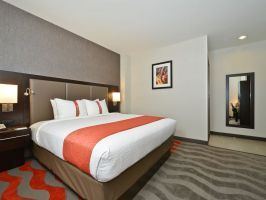 Hotel Holiday Inn NYC Lower East Side image