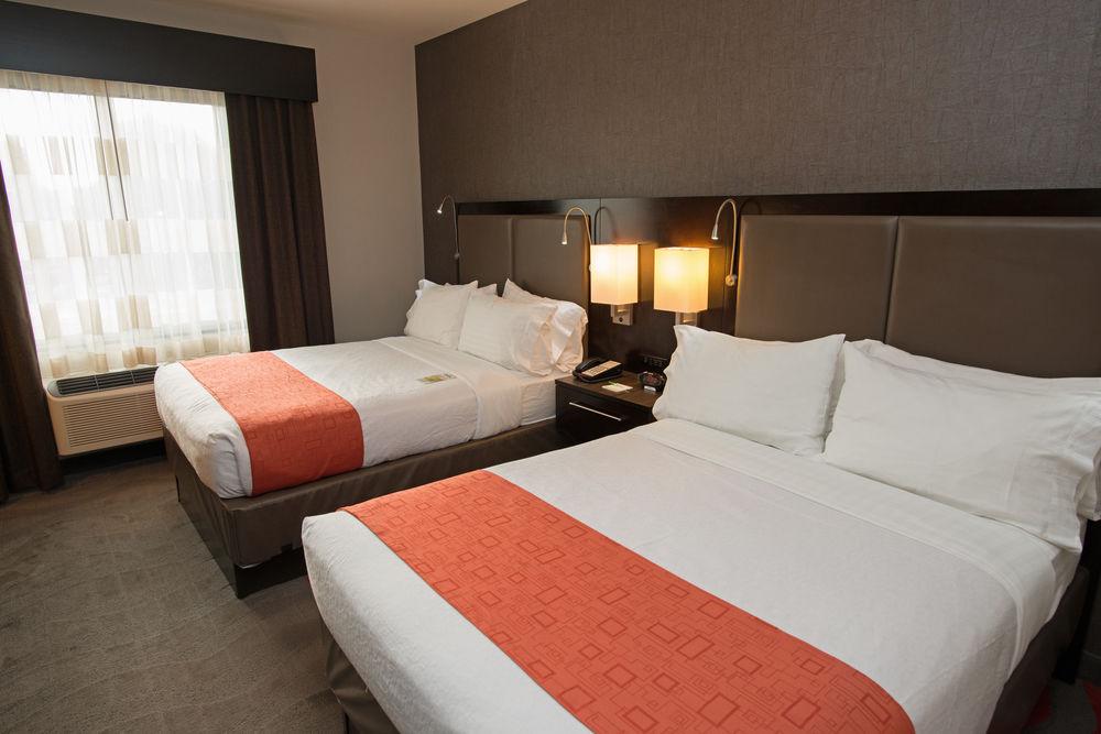 https://www.hotelsbyday.com/_data/default-hotel_image/0/3888/5148566-157-z.jpg
