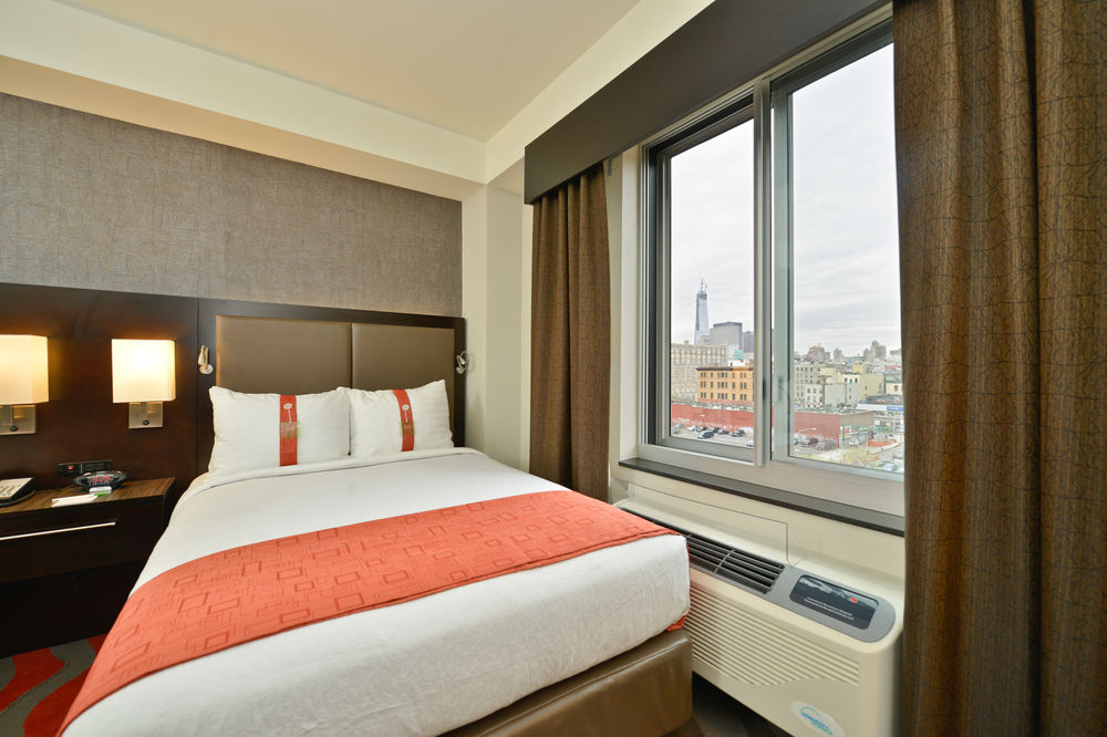 https://www.hotelsbyday.com/_data/default-hotel_image/0/3889/5148566-127-z.jpg