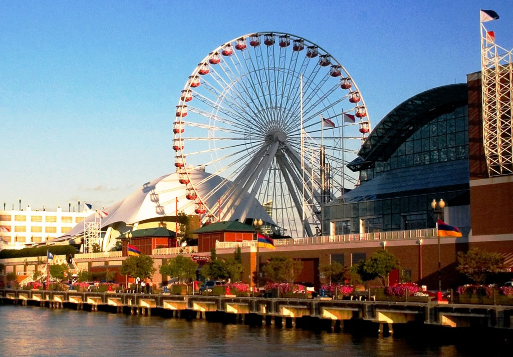 https://www.hotelsbyday.com/_data/default-hotel_image/0/389/1024-chicago-navy-pier-4.jpg