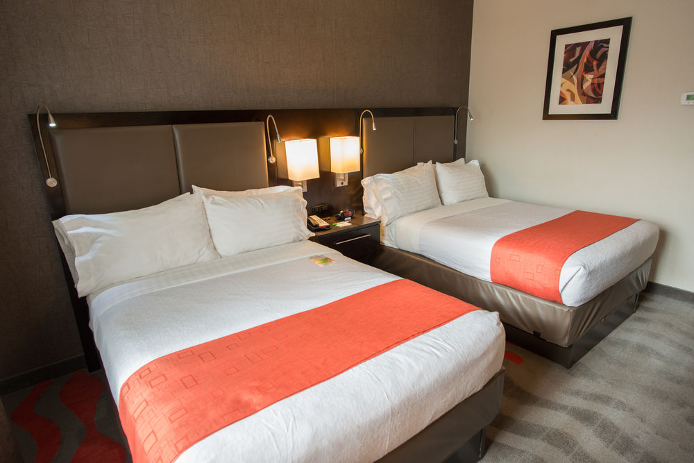 https://www.hotelsbyday.com/_data/default-hotel_image/0/3891/5148566-159-z.jpg