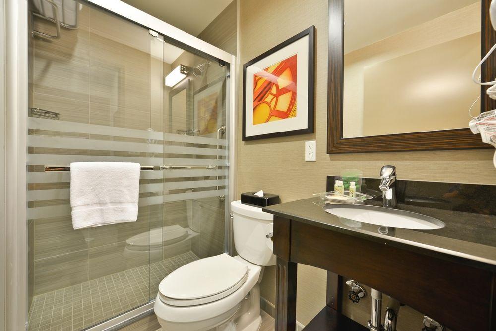 https://www.hotelsbyday.com/_data/default-hotel_image/0/3895/5148566-152-z.jpg