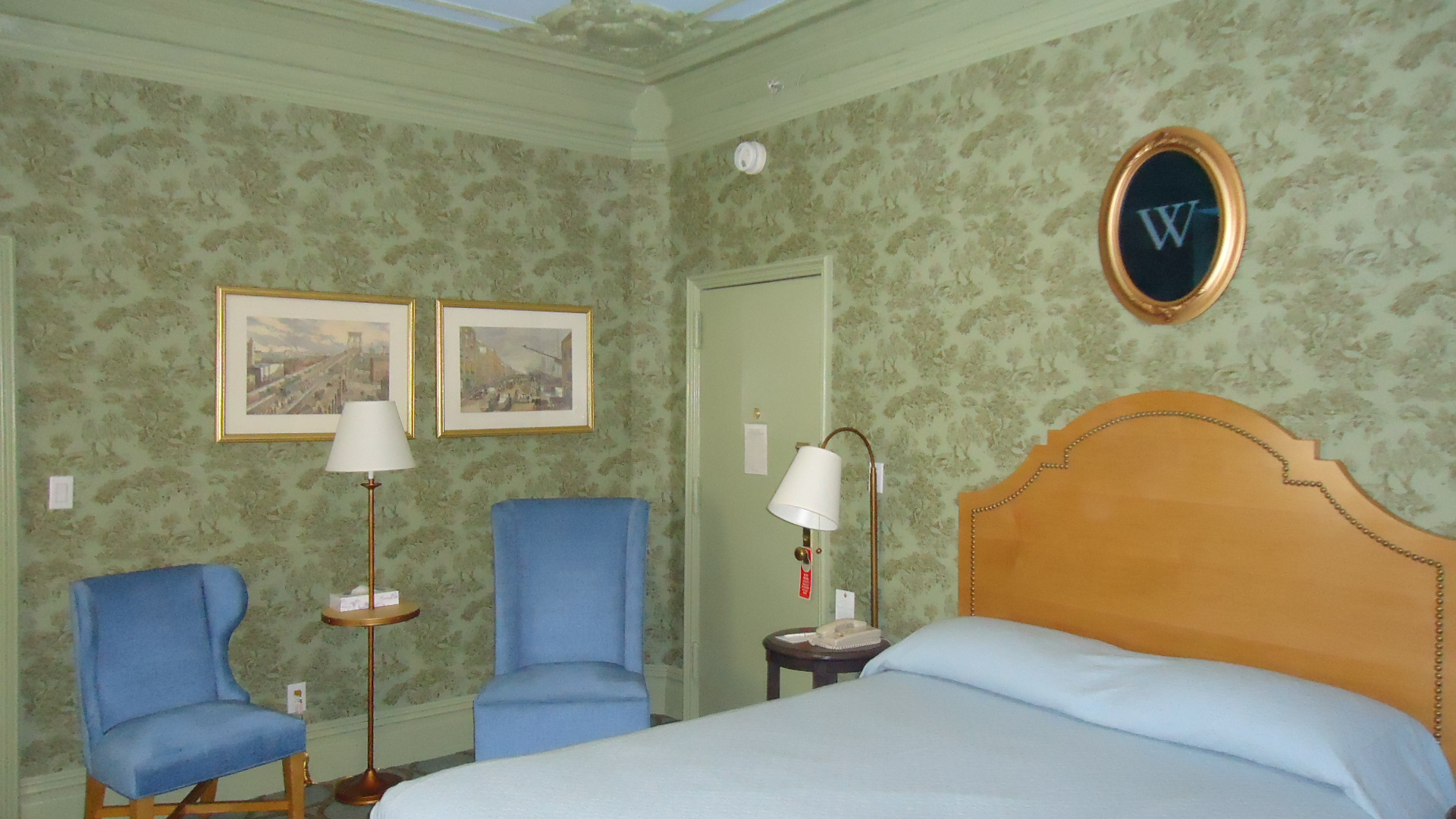 https://www.hotelsbyday.com/_data/default-hotel_image/0/4173/various-003.jpg