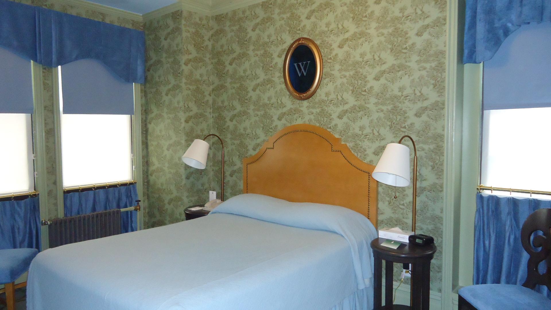 https://www.hotelsbyday.com/_data/default-hotel_image/0/4175/various-001.jpg