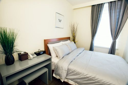 https://www.hotelsbyday.com/_data/default-hotel_image/0/440/8721980-8-y.jpg
