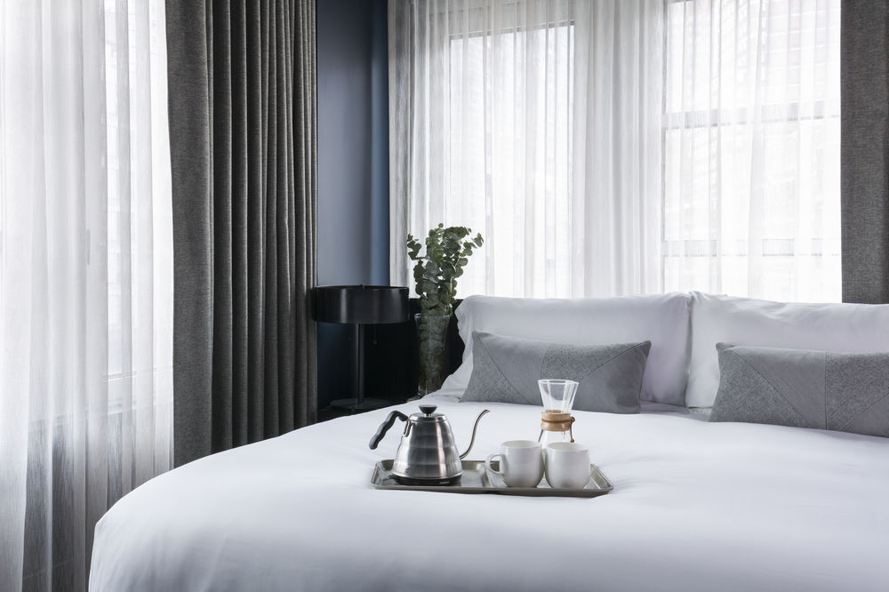https://www.hotelsbyday.com/_data/default-hotel_image/0/4498/10635869-3-z.jpg