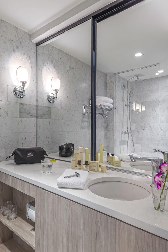 https://www.hotelsbyday.com/_data/default-hotel_image/0/4501/10635869-11-z.jpg