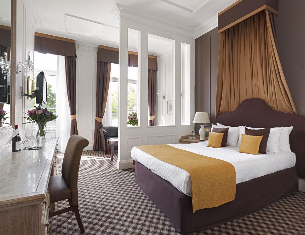 https://www.hotelsbyday.com/_data/default-hotel_image/0/4544/12332-8-z.jpg