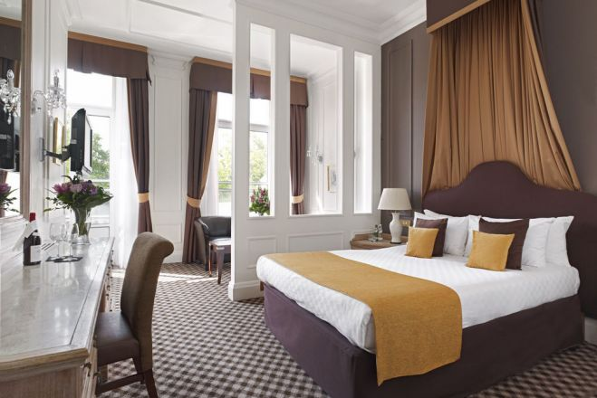 Thistle Hyde Park Hotel
