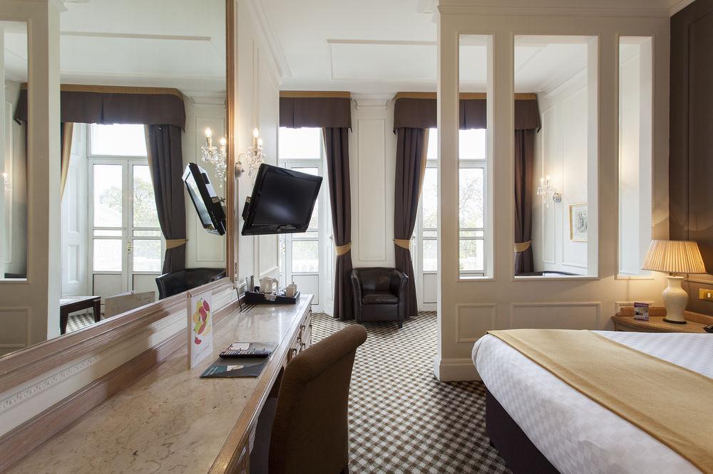 https://www.hotelsbyday.com/_data/default-hotel_image/0/4546/12332-68-z.jpg