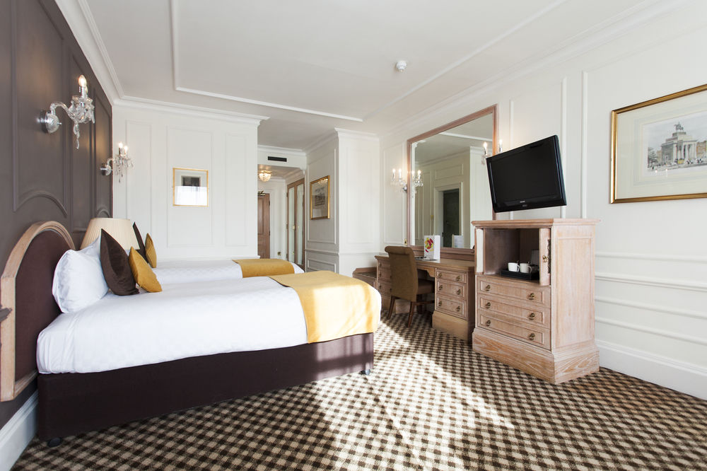 https://www.hotelsbyday.com/_data/default-hotel_image/0/4550/12332-64-z.jpg