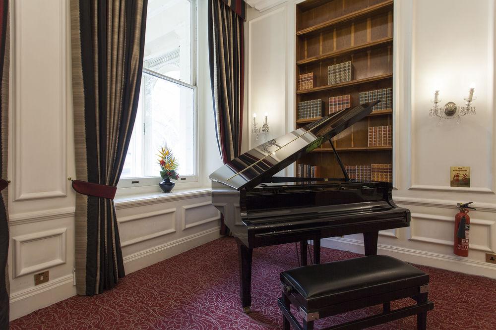 https://www.hotelsbyday.com/_data/default-hotel_image/0/4559/12332-81-z.jpg