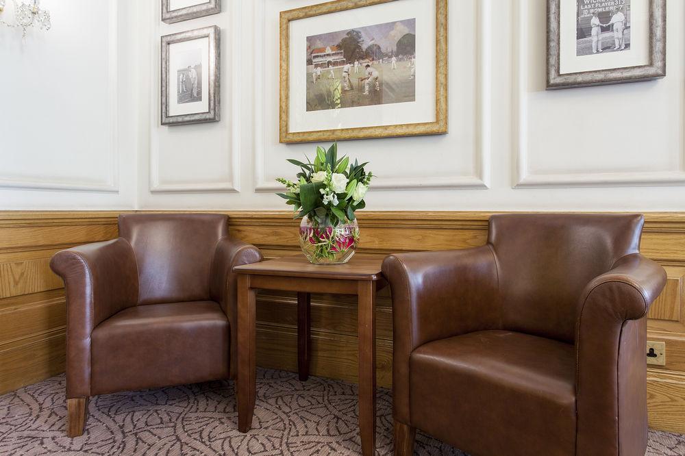 https://www.hotelsbyday.com/_data/default-hotel_image/0/4560/12332-56-z.jpg