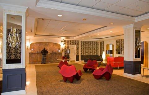 https://www.hotelsbyday.com/_data/default-hotel_image/0/476/005.jpg