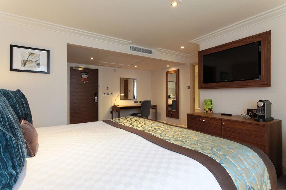 https://www.hotelsbyday.com/_data/default-hotel_image/0/4786/8704-261-z.jpg