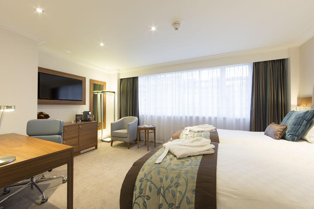 https://www.hotelsbyday.com/_data/default-hotel_image/0/4788/8704-214-z.jpg
