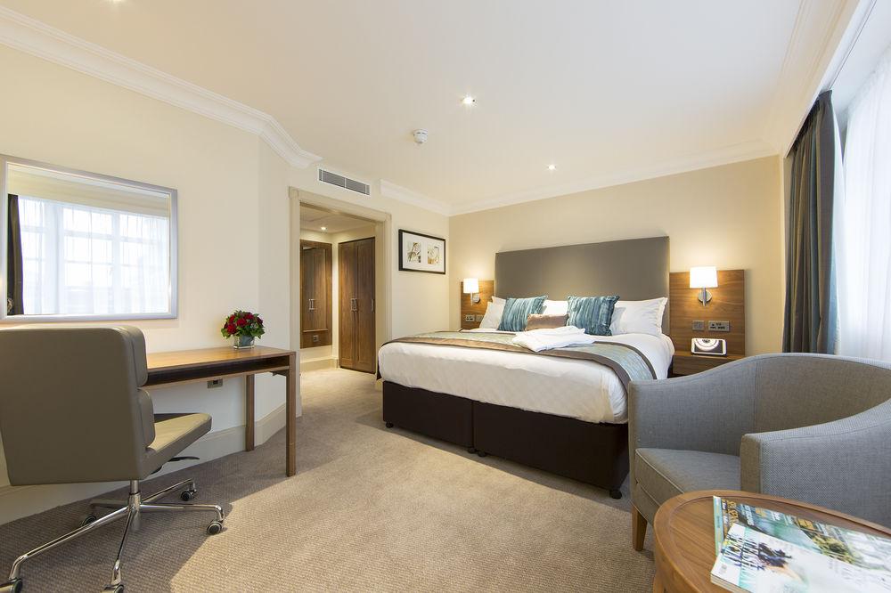 https://www.hotelsbyday.com/_data/default-hotel_image/0/4791/8704-213-z.jpg