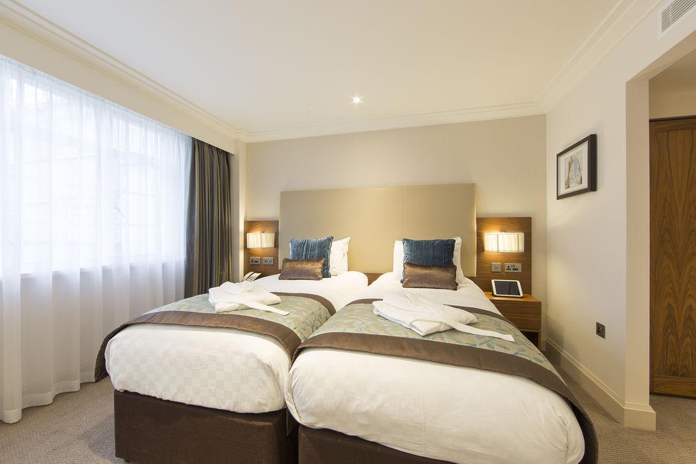 https://www.hotelsbyday.com/_data/default-hotel_image/0/4793/8704-221-z.jpg