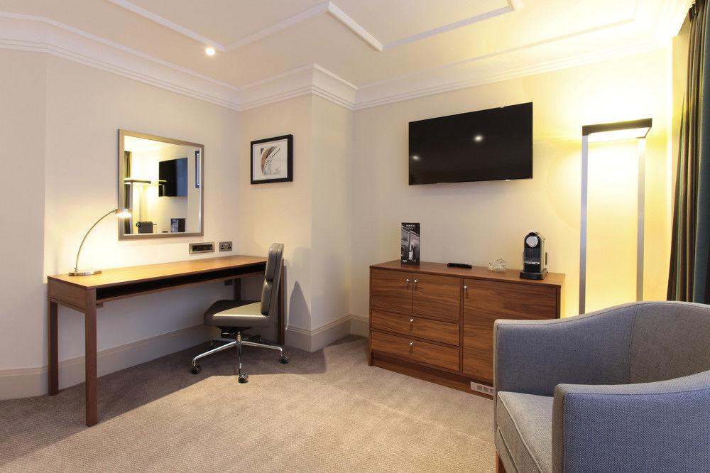 https://www.hotelsbyday.com/_data/default-hotel_image/0/4797/8704-323-z.jpg