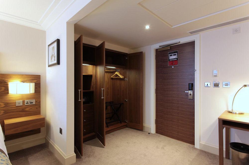 https://www.hotelsbyday.com/_data/default-hotel_image/0/4798/8704-266-z.jpg
