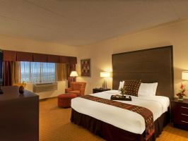Hotel Crowne Plaza Aire MSP Airport - Mall Of America image