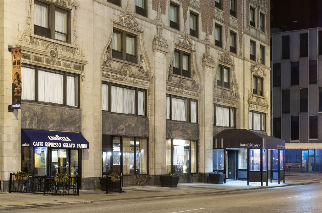 https://www.hotelsbyday.com/_data/default-hotel_image/0/67/inn-of-chicago-chicago-illinois-1.jpg