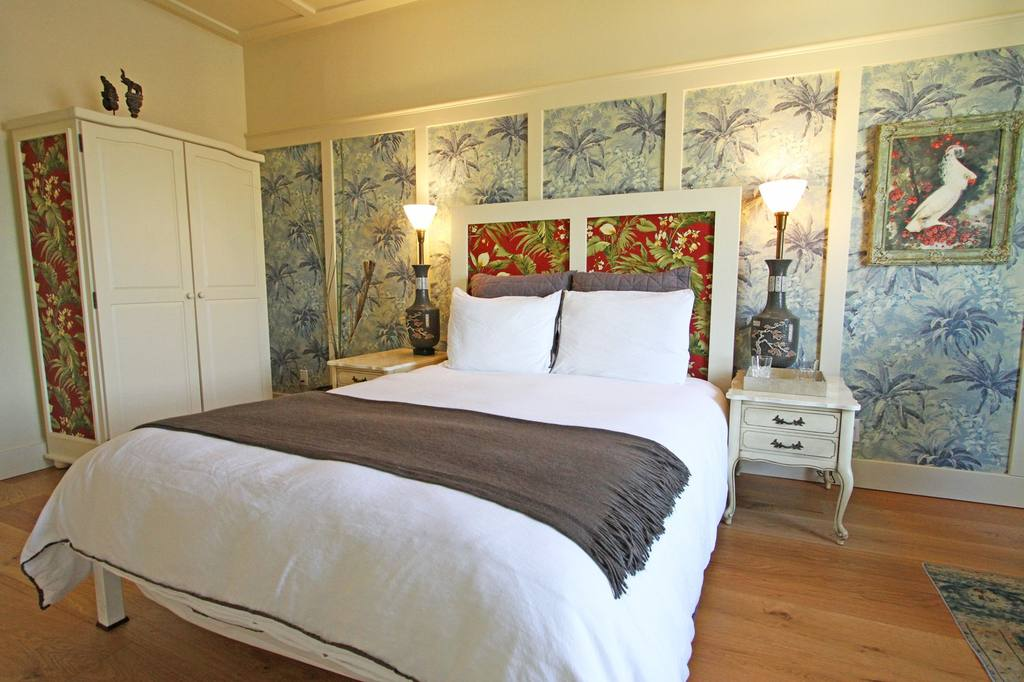 https://www.hotelsbyday.com/_data/default-hotel_image/0/689/412-3-jpg-1024x0.jpg