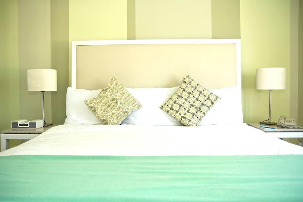 https://www.hotelsbyday.com/_data/default-hotel_image/0/692/img-65761-jpg-1024x0.jpg