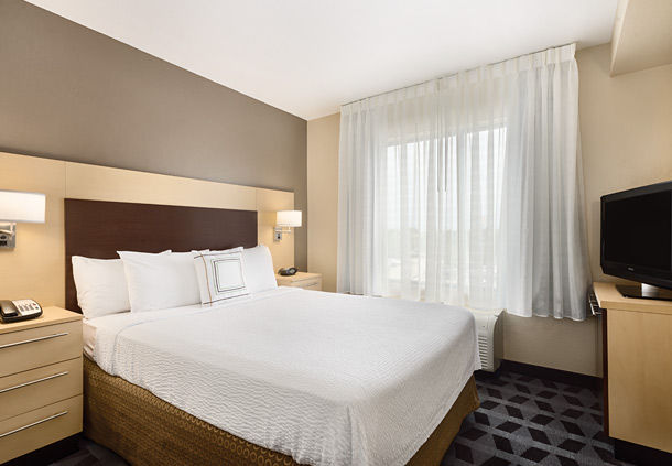 https://www.hotelsbyday.com/_data/default-hotel_image/0/75/towneplace-suites-joilet-south-marriott-double-room.jpg